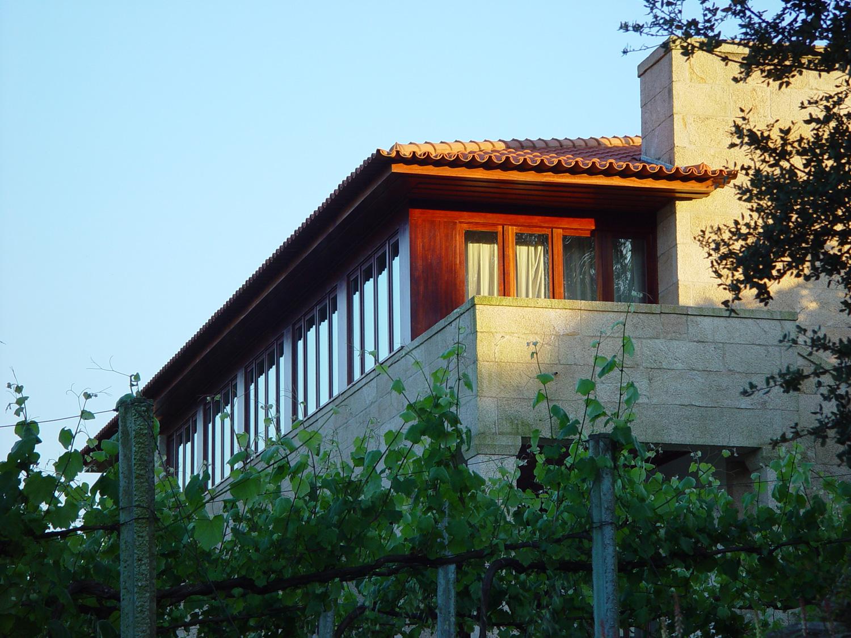 Vista exterior da casa em Santo Amaro, em Ceivães, Monção.