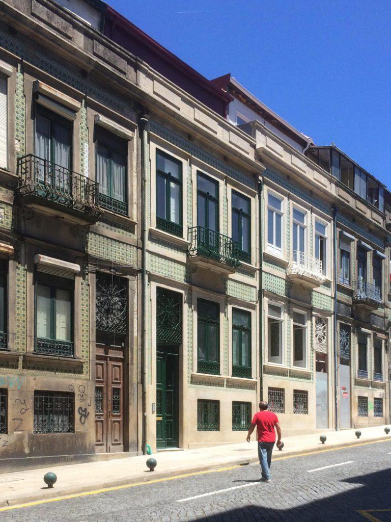 Apartamentos em Álvares Cabral - Fachada do edifício