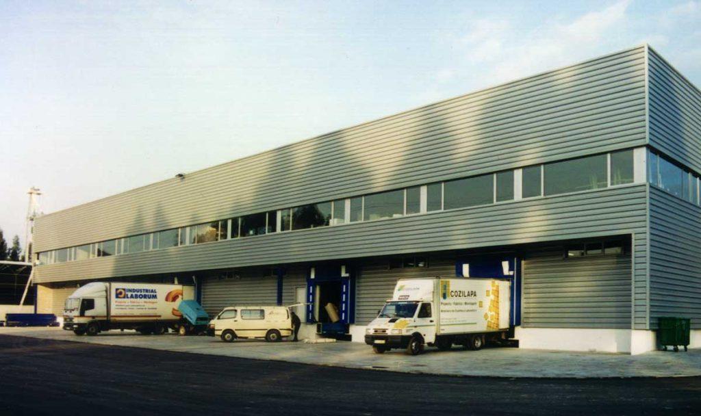 Fábrica da Industrial Laborum - Vista da fachada do cais de carga