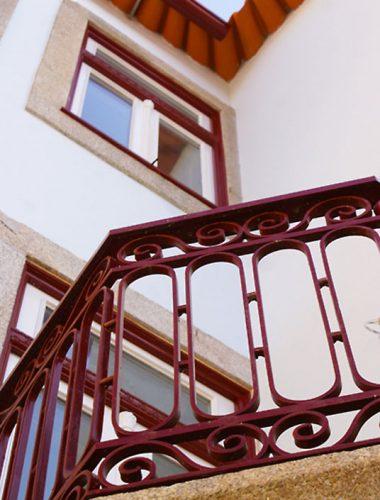 Apartamentos-Rua-dos-Bragas-exterior-guardas