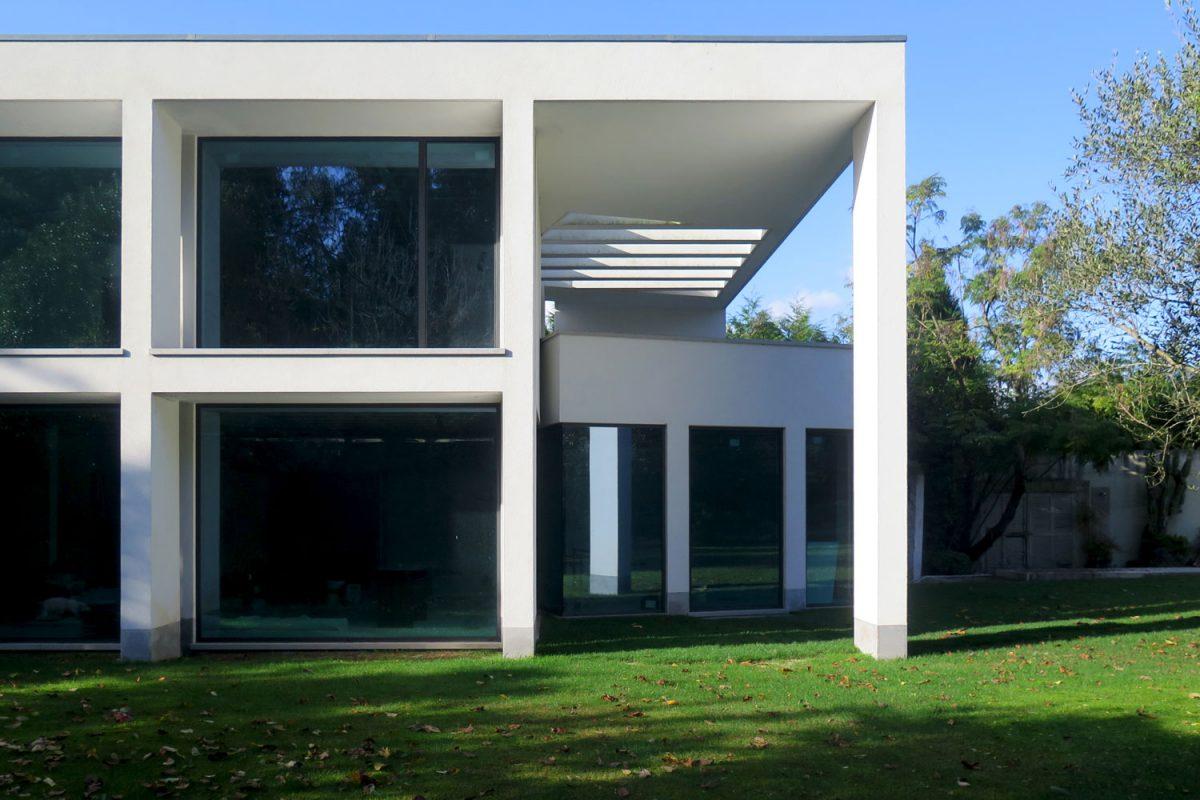 Casa-na-Reguenga-fachada-janelas