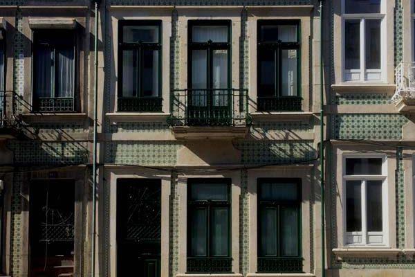 Rua-Alvares-Cabral-Fachada